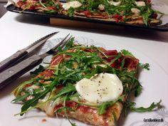 Pizza med parmaskinke, mozzarella & rucola (FODMAP-venlig)