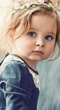 Stunning girl in an oldfashion portrait Precious Children, Beautiful Children, Beautiful Babies, Little People, Little Girls, Cute Babies, Baby Kids, Kind Photo, Foto Baby