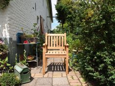 Gardening furniture for gastronomy - Best Home Decorating Ideas - How To Design A Room - homehomedecor Teak Outdoor Furniture, Garden Furniture Sets, Furniture Making, Outdoor Chairs, Indoor Outdoor, Home Furniture, Outdoor Decor, Garden In The Woods, Porch Swing