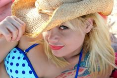 ❕ Check out this free photoBikini woman girl model    👉 https://avopix.com/photo/35625-bikini-woman-girl-model    #hat #portrait #pretty #person #face #avopix #free #photos #public #domain