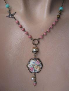 Innocence vintage repurposed necklace by OhMyGypsySoul on Etsy Shabby Chic Jewelry, Boho Jewelry, Jewelry Crafts, Antique Jewelry, Beaded Jewelry, Jewelery, Vintage Jewelry, Jewelry Accessories, Jewelry Design