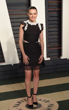 Pin for Later: It's Wall-to-Wall Glamour at Vanity Fair's Oscars Party Daisy Ridley Wearing a Giambattista Valli Couture dress.