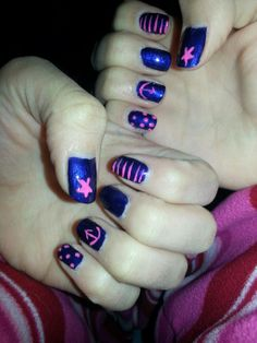 Twitter fan-> We love it! @MissPr1ssy  #overboard #nails inspired by @Danting Tingting #sealife pic.twitter.com/Ul6nVnmNjE