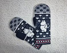 Moomin Knitting Pattern : Hand-made adult mittens with moomin pattern