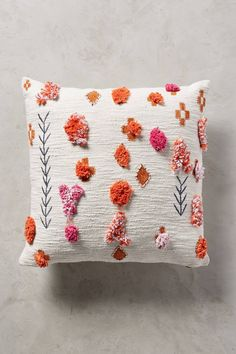 Slide View: 2: Heradia Pillow