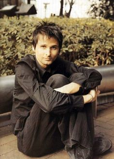 So much glorious in one picture!! Matt Bellamy forever!! *faints*