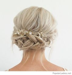 beautiful-blonde-hair-color-for-the-bride-gold-and-pearl-hair-accessory