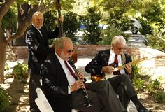 Magnolia Jazz Band at a Saratoga garden party, 2014. Click http://magnoliajazz.com/selecting-garden-party-music to see helpful tips for planning wedding or party music in a setting like this.