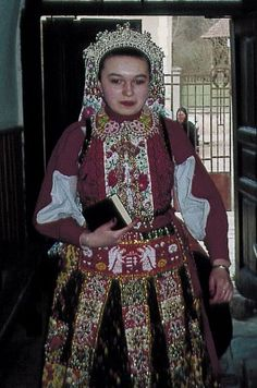 Mérai menyasszony - Hungary Folk Costume, Costumes, Hungarian Girls, Folk Dance, My Heritage, Merida, Wardrobes, Hungary, Ethnic