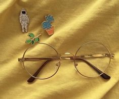 Imagem de yellow, aesthetic, and glasses