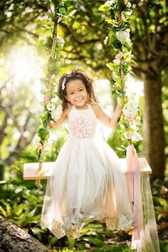 Cute Swing Photography, Children Photography, Baby Girl Birthday Dress, Birthday Dresses, Teen Pictures, Teen Pics, Photo Sessions, Mini Sessions, Flower Girl Dresses