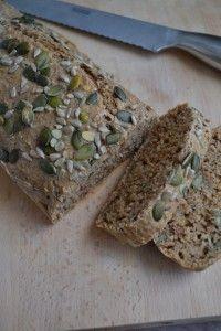 Simpel Meerzaden Speltbrood - Blij Suikervrij Healthy Baking, Healthy Snacks, Healthy Recipes, I Love Food, Good Food, Yummy Food, Best Bread Recipe, Deli Food, Cooking Bread