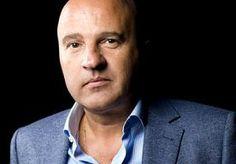 10-May-2014 8:27 - 'VOORTVLUCHTIGE FRAUDEUR IN MARBELLA AANGEHOUDEN'. Na een maandenlange zoektocht is de voortvluchtige meesterfraudeur Robert van de R. (64) uit Bosch en Duin gevonden in Marbella. Hij is donderdag...