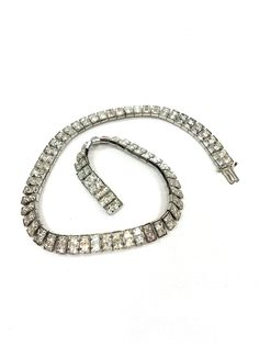 Rhinestone Choker Necklace, Linear Set Square Crystals, Rhodium Silver, Art Deco Hollywood Regency, Vintage Retro Wedding Jewelry need a size 20 love it 10 inch braclet to match Rhinestone Choker, Vintage Rhinestone, Vintage Wedding Jewelry, Bridal Jewelry, Luxury Jewelry, Beautiful Necklaces, Antique Jewelry, Chokers, Hollywood Regency