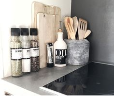 54 Elegant Kitchen Desk Organizer Ideas to look great - Kitchen Decor Kitchen Desk Organization, Kitchen Desks, Apartment Kitchen, Home Decor Kitchen, Kitchen Interior, Kitchen Utensils, Organization Ideas, Kitchen Worktop, Kitchen Taps