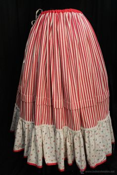 ENAGUA PARA INDUMENTARIA POPULAR (Antigüedades - Moda - Mujer - Enaguas Antiguas) Redo Clothes, Costumes Around The World, Modern Victorian, Folk Costume, Traditional, Hair Styles, Skirts, Folklore, Fashion
