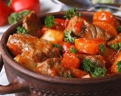 How to cook pork goulash with gravy - the best recipe .- How to cook pork goulash with gravy – the best recipes and secrets of cooking Pork Goulash, Pork Stew, Recipe Link, Recipe Recipe, Gluten Free Recipes, Casserole, Food And Drink, Stuffed Peppers, Meals