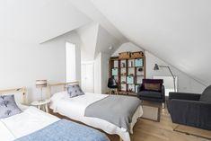 Une maison en bois dans le Devon - PLANETE DECO a homes world Devon, Bedroom Ideas, House, Furniture, Home Decor, Contemporary Design, Rural Area, Home Ideas, Decoration Home