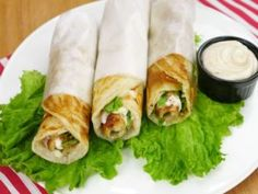 A very quick and simple Mayo Garlic Seekh Paratha Roll recipe for you. Mini Rolls, Paratha Recipes, Roll Recipe, Shawarma, Fresh Rolls, Garlic, Sandwiches, Easy Meals, Appetizers