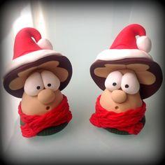 Funghi natalizi segnaposto in fimo http://ilfilodelleideehandmade.blogspot.it/2013/12/funghi-di-natale-in-fimo-e-famigliola.html