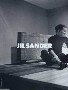 Campaign: Jil Sander Season: Fall 1996 Photographer: Craig McDean Model(s): Guinevere van Seenus
