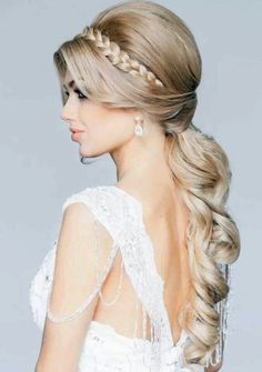 15 Gorgeous Wedding Hairstyles for Brides to Be #onthegobride #1
