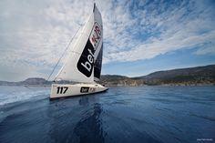 Fabio Fancello è l'autore di questo scatto con bet1128 incorniciata sullo sfondo del mare di Cala Gonone. La spiaggia che si vede è quella di Cala Luna