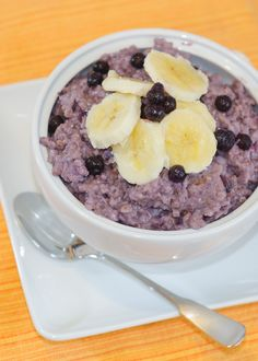 Pressure Cooked Steel Cut Oats with Bananas and Blueberries