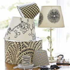 Designing home: fabric covered lampshades DIY Home Projects, Home Crafts, Diy Home Decor, Diy Crafts, Fabric Crafts, Craft Projects, Craft Tutorials, Cover Lampshade, Fabric Lampshade