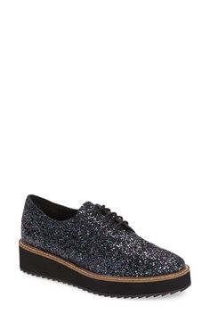 Free shipping and returns on Shellys London Emma Platform Oxford (Women) at Nordstrom.com. A bold platform wedge updates a trend-right menswear-inspired oxford fashioned with a detailed wingtip and classic embossing.