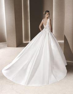 Szalonunk Premium Dealer kategóriás menyasszonyi ruhaszalon fd5499576a