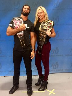 Goals @WizardWorld @WWERollins - Charlotte looks so tall when she's wearing heels. Well she already is tall but still. That championship switch though lol