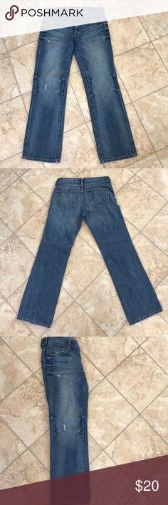 Old Navy Boyfriend style jeans Old navy boyfriend cut distressed jeans. Lightly worn, size 6 regular Old Navy Jeans Boyfriend