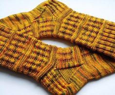 Ravelry: Mister Bowler socks pattern by Erry Pieters-Korteweg Love these! Have to make these. Free pattern
