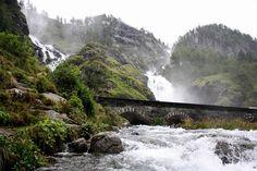 Latefossen滝ノルウェーの写真