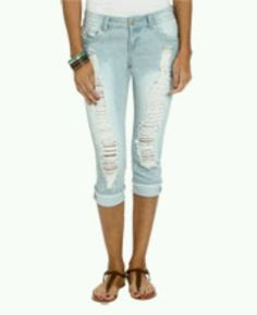 Ripped Capri Jeans - Is Jeans