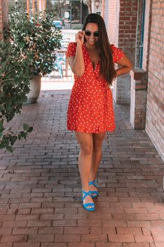 Three 4th of July Outfit Ideas to get your celebrations started - Curated by Kirsten Rock Outfits, Fashion Outfits, Bright Shoes, Patriotic Outfit, Clipart Black And White, 4th Of July Outfits, Holiday Fashion, Capsule Wardrobe, Fashion Looks