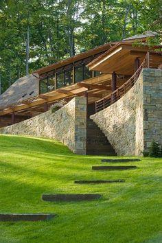This house looks lik amazing architecture design Residential Architecture, Amazing Architecture, Contemporary Architecture, Art And Architecture, Natural Architecture, Architecture Interiors, Hillside House, Design Exterior, Underground Homes