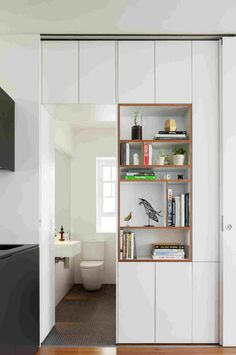 Storage space Gallery - Darlinghurst Apartment / Brad Swartz Architect - 5 Bracelets Through The Age Small Space Living, Small Spaces, Interior Architecture, Interior Design, Interior Decorating, Decorating Tips, Farmhouse Side Table, Small Apartments, Interior Inspiration