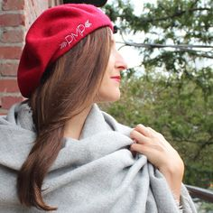 Can't wait to paint the town red in this monogrammed beret! Monogrammed Scarf, Monogram Hats, Birthday Gifts For Best Friend, Best Friend Gifts, Fashion Over, I Love Fashion, Red Rosa, Beret Outfit, Gifts For My Girlfriend