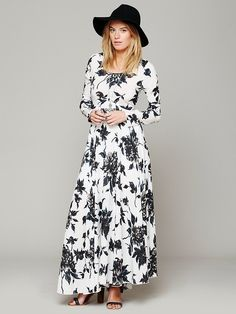 Free People First Kiss Print Maxi Dress at Free People Clothing Boutique. reminds me of sally from practical magic ♡ Beautiful Dresses, Nice Dresses, Casual Dresses, Boho Beautiful, Casual Wear, Dress Outfits, Dress Up, Fashion Dresses, Maxi Dresses