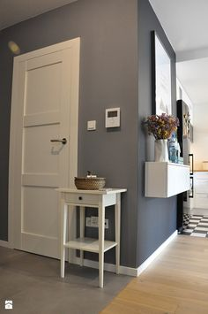 New wall color white hallways ideas White Hallway, Piece A Vivre, Interior Decorating, Interior Design, Beauty Room, Scandinavian Interior, Grey Walls, Home Fashion, My Room