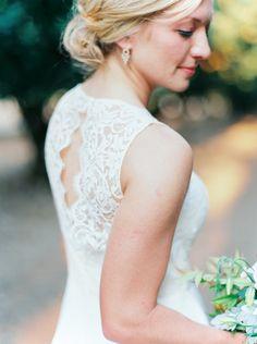 Photography: Maria Lamb - www.marialamb.co  Read More: http://www.stylemepretty.com/2015/04/01/rustic-oregon-barn-wedding/