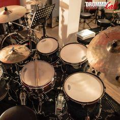 Je vous souhaite d'excellentes fêtes de fin d'année En 2018 pour de nouveaux challenges et de nouvelles aventures! . I wish you an excellent Christmas & New Year celebrations See you in 2018 for new challenges and new adventures! . #Frederick #Rimbert #DrummingLab #drumschool #drummer #drumming #drumlife #drumteacher #drummers #studiodrummer #Dom #Famularo #batteur #skypelessons #drumlessons #drumfamily  . #mapex #evansdrumheads #promarksticks #sabian  . #Christmas #joyeuxnoel…