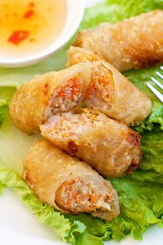 Vietnamese Spring Rolls (Cha Gio) Recipe (Cha Gio) Vietnamese Spring Rolls (Cha Gio) - BEST spring rolls ever deep-fried to crispy perfection. Loaded with crazy delicious filling, a perfect appetizer! Vietnamese Egg Rolls, Vietnamese Spring Rolls, Vietnamese Cuisine, Thai Spring Rolls, Pork Spring Rolls, Easy Vietnamese Recipes, Vietnamese Rice, Cha Gio Recipe, Asian Recipes