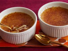Pumpkin Creme Brulee - #Thanksgiving #ThanksgivingFeast #Desserts
