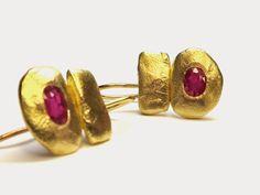 ruby+earrings.jpg 640×480 pixels