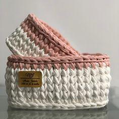 The most wonderful Crochet baskets and wicker works you'll enjoy Crochet Wool, Crochet Quilt, Tapestry Crochet, Diy Crochet, Crochet Stitches, Crochet T Shirts, Crochet Gifts, Crochet Basket Pattern, Crochet Patterns