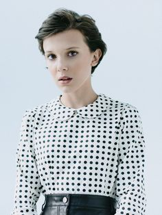 Millie bobby brown: Stranger Things She inspires me that at such a young age she is so talented and successful. Millie Bobby Brown, Bobby Brown Stranger Things, Stranger Things Funny, Eleven Stranger Things, Bobbi Brown, Cool Attitude, Chica Cool, Girl Crushes, My Idol