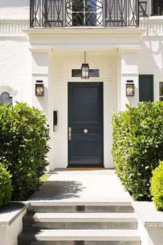 home decor front doors 30 Colorful Front Doors So Cheerful, You Can't Help But Smile 30 Best Front Door Paint Colors - Beautiful Paint Ideas for Front Doors Best Front Doors, Beautiful Front Doors, Black Front Doors, Front Door Entrance, House Front Door, Solid Doors, Entry Doors, Front Porch, Garage Doors